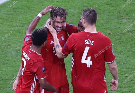 Bayern's players celebrate after Javi Martinez scored his side's second goal during the UEFA Super Cup soccer match between Bayern Munich and Sevilla at the Puskas Arena in Budapest, Hungary