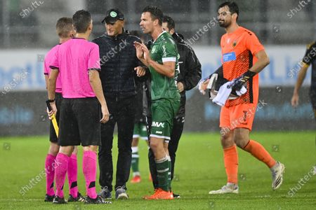 St. Gallens head coach Peter Zeidler (C) after the UEFA Europa League third qualifying round soccer match between FC St. Gallen and AEK Athens in St. Gallen, Switzerland, 24 September 2020.
