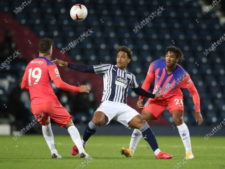 Matheus Pereira of West Bromwich (C) in action against Mason Mount (L) and Reece James (R) of Chelsea during the English Premier League match between West Bromwich Albion and Chelsea in West Bromwich, Britain, 26 September 2020.