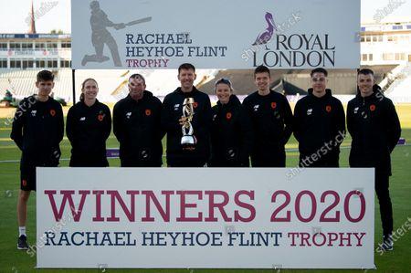 Coaching Staff with the Rachael Heyhoe Flint Trophy
