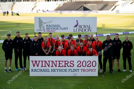 Southern Vipers players and staff with the Rachael Heyhoe Flint Trophy