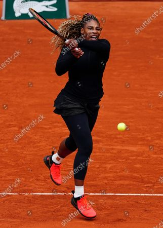 Serena Williams in first round action
