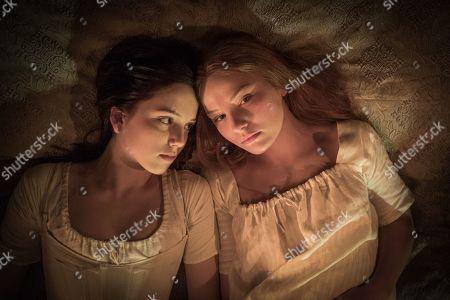 Hannah Rae as Lara and Devrim Lingnau as Carmilla