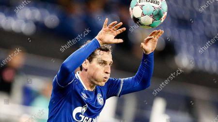 Schalke's Sebastian Rudy throws the ball during the German Bundesliga soccer match between FC Schalke 04 and Werder Bremen in Gelsenkirchen, Germany