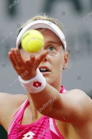 Alison Riske of the US serves during her first round match against Julia Goerges of Germany at the French Open tennis tournament at Roland Garros in Paris, France, 29 September 2020.