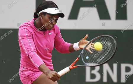 Sloane Stephens of the US hits a backhand during her first round match against Vitalia Diatchenko of Russia at the French Open tennis tournament at Roland Garros in Paris, France, 29 September 2020