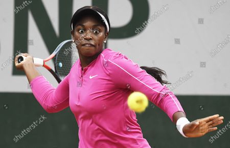 Sloane Stephens of the US plays a forehand during her first round match against Vitalia Diatchenko of Russia at the French Open tennis tournament at Roland Garros in Paris, France, 29 September 2020