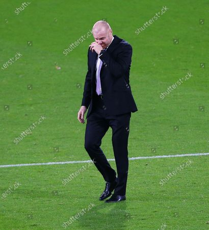 Burnley manger Sean Dyche looks dejected