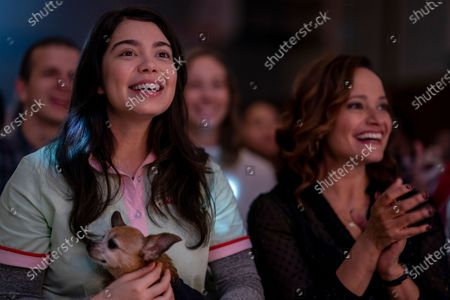 Auli'i Cravalho as Amber Appleton and Judy Reyes as Donna