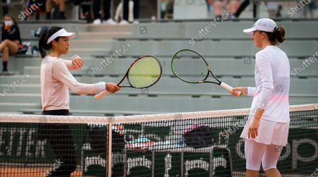 Su-Wei Hsieh of Chinese Taipeh & Iga Swiatek of Poland in action during the second round at the 2020 Roland Garros Grand Slam tennis tournament