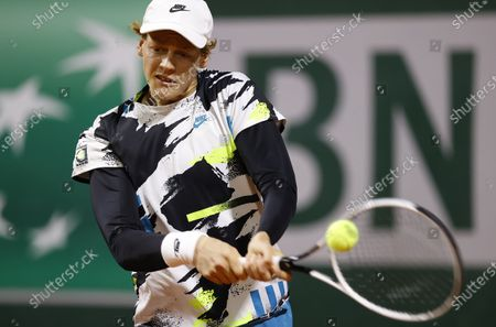 Jannik Sinner of Italy hits backhand during his second round match against Benjamin Bonzi of France at the French Open tennis tournament at Roland Garros in Paris, France, 30 September 2020.