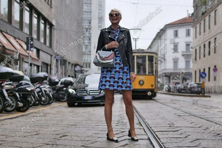 Fashion editor Elisa Nalin street style outfit before Vìen fashion show during Milano fashion week fall/winter 2020