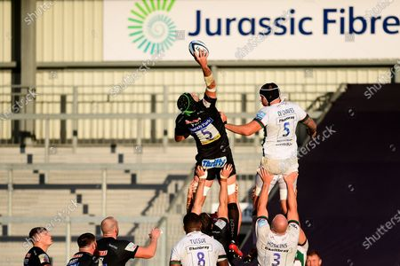 Tom Price of Exeter Chiefs wins the line out for Exeter Chiefs