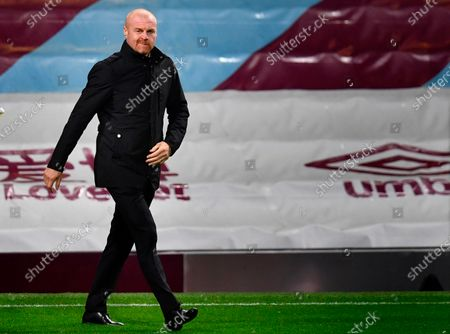 Burnley's manager Sean Dyche arrives for the English Carabao Cup 4th round soccer match between Burnley FC and Manchester City in Burnley, Britain, 30 September 2020.