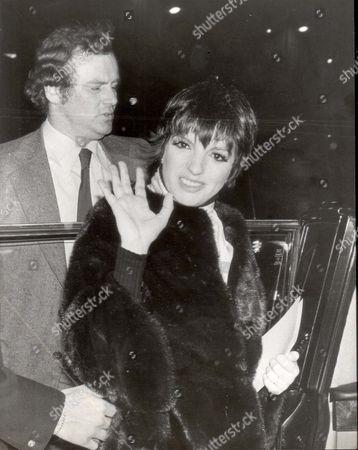 Stock Image of Pkt3923-293436 Liza Minnelli Singer Liza Minnelli Leaving The Kate Manning Christening