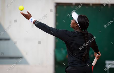 Sloane Stephens of the United States in action during the second round at the 2020 Roland Garros Grand Slam tennis tournament