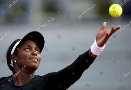 Sloane Stephens of the USA in action against Paula Badosa of Spain during their women's second round match during the French Open tennis tournament at Roland Garros in Paris, France, 01 October 2020.