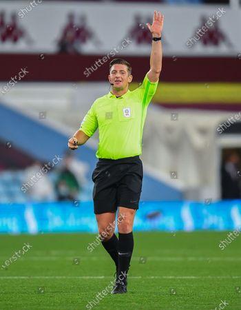 Referee Rob Jones