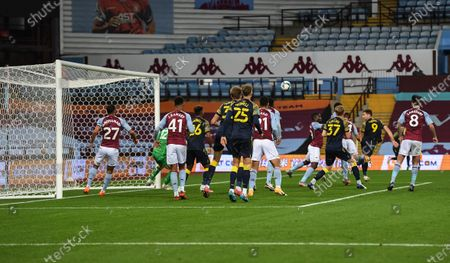 Sam Vokes of Stoke City scores his side's first goal