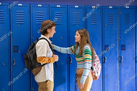 Skyler Gisondo as Griffin and Grace Van Dien as Lena