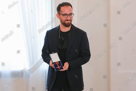 Federal President Steinmeier awards Prof. Igor Levit the Order of Merit of the Federal Republic of Germany in Bellevue Palace on October 1st. 15 citizens are honored under the motto United and there for each other.