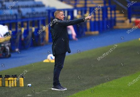 Sheffield Wednesday manager Garry Monk issues instructions