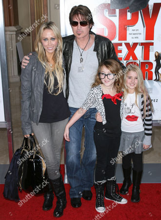 Stock Photo of Billy Ray Cyrus, Tish Cyrus, Noah Cyrus and Emily Grace Reaves