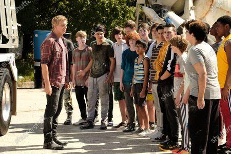 William Zabka as Johnny Lawrence, Xolo Mariduena as Miguel Diaz, Jacob Bertrand as Hawk/Eli, Nichole Brown as Aisha and Khalil Everage as Chris