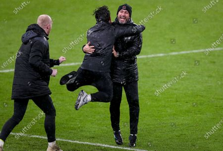 Dundalk vs Ki Klaksvik. Dundalk manager Filippo Giovagnoli celebrates at the final whistle with assistant coach Giuseppe Rossi