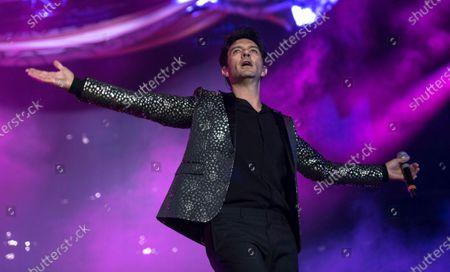 En esta fotografía del 16 de marzo de 2019 el cantante Leonardo de Lozanne de la banda Fobia durante su concierto en el Festival Vive Latino en la Ciudad de México. Fobia prepara un MTV Unplugged sanitizado en la pandemia