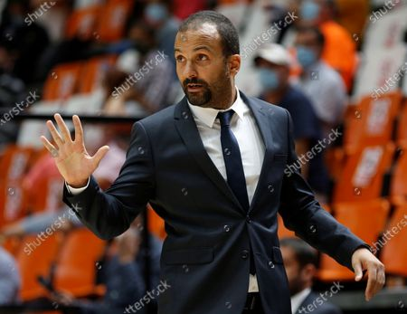 LDLC Asvel's head coach TJ Parker reacts during the Euroleague basketball game between Valencia Basket and LDLC Asvel at Fuente de San Luis pavilion in Valencia, eastern Spain, 01 October 2020.