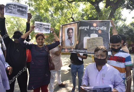 Supporters of Sushant Singh Rajput at Jantar Mantar demanding justice for Sushant and release of CBI investigation report on October 1, 2020 in New Delhi, India.