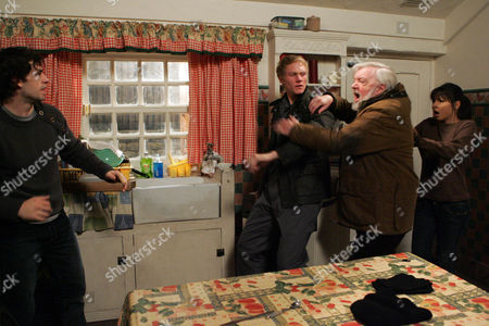 Lee Naylor [Lewis Linford] Catches Andy Sugden [Kelvin Fletcher] 'Repairing' the Washing Machine - Jo Sugden [Roxanne Pallett] and Mick Naylor [Tony Haygarth] Split them Up.