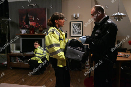 Donna Windsor-Dingle [Verity Rushworth], Charlotte Beecham [Emma Hartley-Miller] and Sgt Drake [Steven Hillman] Search Shane's Flat - they Find Bags of Cocaine.