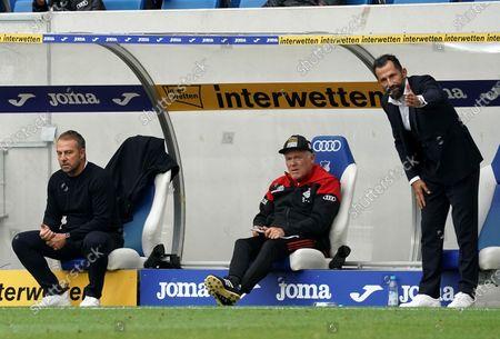 Trainer Hans Flick (Munchen), Co-Trainer Hermann Gerland (Munchen), Hasan Salihamidzic (Munchen)