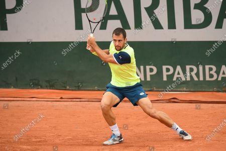Laslo Djere at Roland Garros stadium