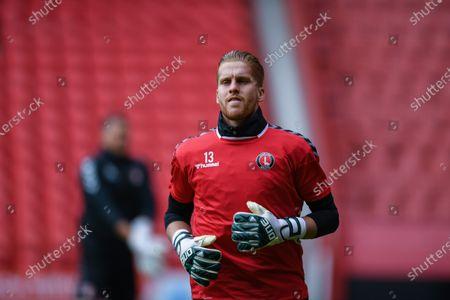Ben Amos (13) of Charlton Athletic warms up before ko