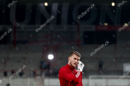 Union's new goalkeeper Loris Karius warms up for the German Bundesliga soccer match between FC Union Berlin and FSV Mainz 05 in Berlin, Germany, 02 October 2020.