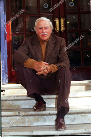 Stock Image of 79 Year Old American Actor Singer Howard Keel. On The Steps Of The Theatre Royal.