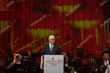 POTSDAM, GERMANY - OCTOBER 03: German President Frank-Walter Steinmeier speaks at the official commemoration event on the 30th anniversary of German reunification on October 03, 2020 in Potsdam, Germany. On October 3, 1990, following the fall of the Berlin Wall and the end of the Cold War a year earlier, West Germany and East Germany merged into modern Germany. (Photo by Sean Gallup/Getty Images)