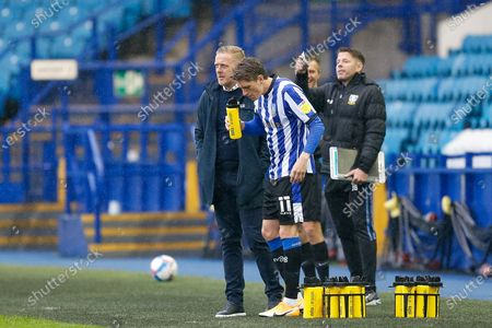 Sheffield Wednesday FC Manager Garry Monk gives instructions to his players before the EFL Sky Bet Championship match between Sheffield Wednesday and Queens Park Rangers at Hillsborough, Sheffield
