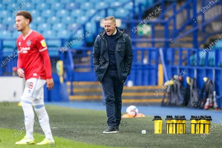Sheffield Wednesday FC Manager Garry Monk shouts towards his players during the EFL Sky Bet Championship match between Sheffield Wednesday and Queens Park Rangers at Hillsborough, Sheffield