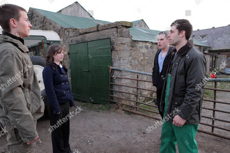 Daz Eden [Luke Tittensor] and Victoria Sugden [Isobel Hodgins] arrive at the farm to find Andy Sugden [Kelvin Fletcher]  tussling with Aaron Livesy [Danny Miller].  Andy is shocked when Daz and Victoria reveal the truth.