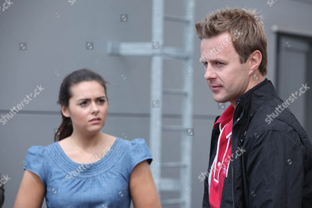 Lexi Nicholls [Sally Oliver] Has Brought the Baby Up Onto the Roof.  Nicola De Souza [Nicola Wheeler], Jimmy King [Nick Miles], Carl King [Tom Lister] and Scarlett Nicholls [Kelsey-Beth Crossley] Try to Talk Her Down.  Carl Steps Closer But Lexi Backs Towards the Edge of the Roof.  Jimmy Has to Hold Nicola Back as Lexi Finally Has it Out with Carl.  He Tells Her That He's Not Going to have Another Child.  Faced with the Truth She's Been Trying to Hide From for Months, Lexi is in the Depths of Her Despair, Will She Back Down and Return the Baby Or Will it Result in Tragedy?