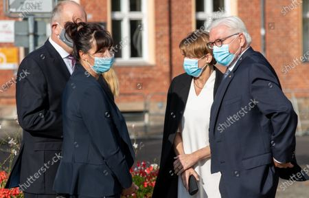 German President Frank-Walter Steinmeier, arrives with his wife Elke Buendenbender and Dietmar Woidke, President of the Federal Council, with his wife Susanne Woidke at Day of German unity - Ecumenical church service in Potsdam