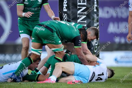 Connacht vs Glasgow Warriors. Connacht's Quinn Roux scores a try despite Tommy Seymour of Glasgow Warriors
