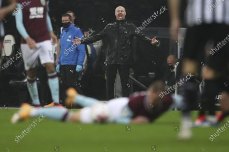 Burnley's manager Sean Dyche (C) reacts during the English Premier League match between Newcastle United and Burnley in Newcastle, Britain, 03 October 2020.