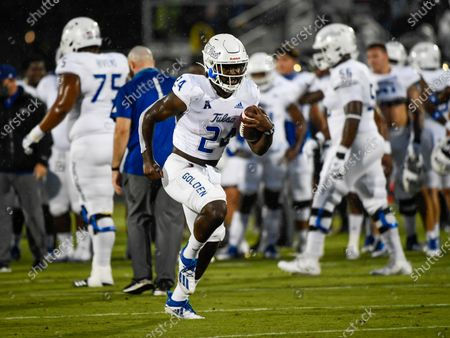 Orlando, FL, U.S: Tulsa Golden Hurricane running back Corey Taylor II (24) warms up before 1st half NCAA football game between the Tulsa Golden Hurricane and the UCF Knights at the Bounce House in Orlando, Fl