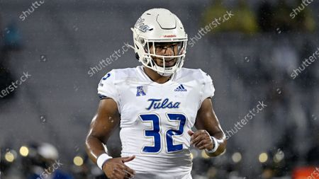 Tulsa tight end James Palmer (32) warms up before an NCAA college football game against Central Florida, in Orlando, Fla