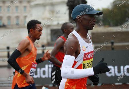 Eliud Kipchoge of Kenya runs in the elite men's race during the London Marathon in London, Britain, 04 October 2020.